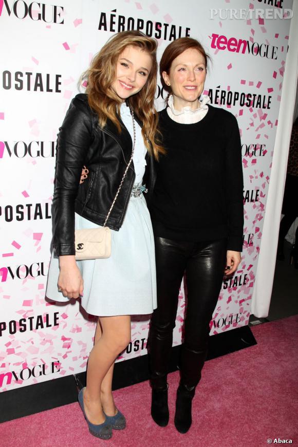 """Chloë Moretz au côté de Julianne Moore, sa partenaire dans le film """"Carrie""""."""