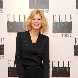 Rosamund Pike aux Elle Style Awards à Londres.
