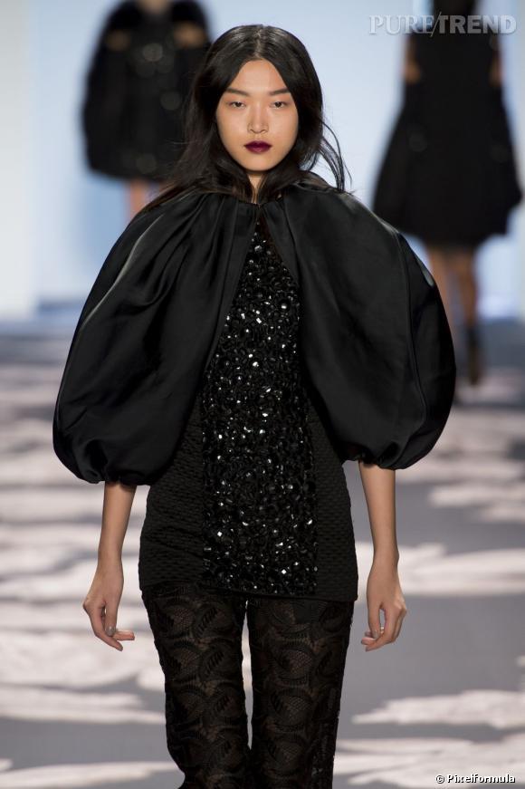 La bouche grenat     Défilé Vera Wang Automne-Hiver 2013/2014.