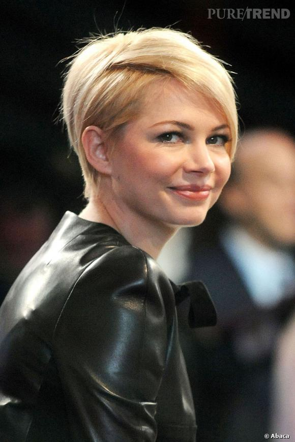 michelle williams une nouvelle coupe rock pour le monde. Black Bedroom Furniture Sets. Home Design Ideas
