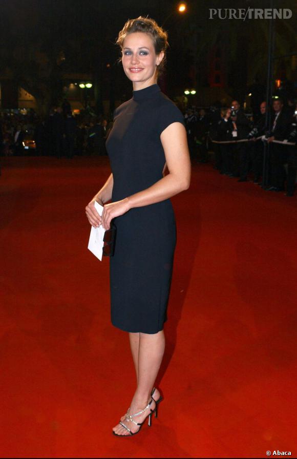 Quand l'actrice s'habille chic pour le festival de Cannes, elle mise sur une robe noire très sobre.