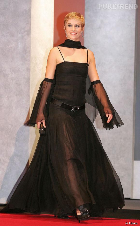 En 2005, l'actrice sort le grand jeu pour le Festival de Cannes.