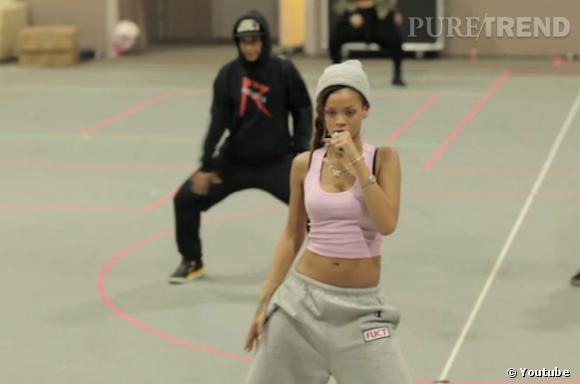 Rihanna prouve qu'elle se prépare au mieux pour sa tournée : répétitions, costumes, décors... Elle nous dévoile les préparations du Diamonds World Tour.