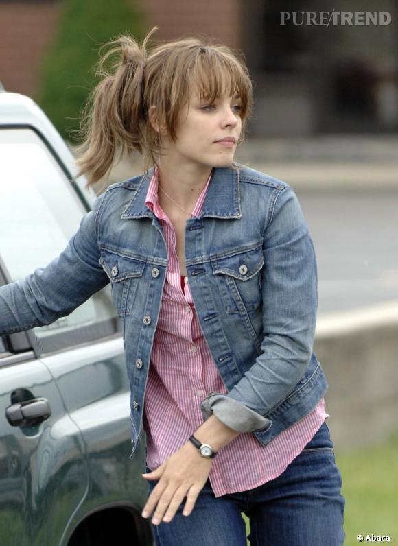 """Le match """"coiffure de tournage"""" :  Avec son chignon négligé, la frange qui lui mange le regard et ce brun un peu triste, Rachel McAdams n'est pas au mieux de sa forme."""
