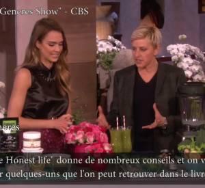 Jessica Alba montre ses talents de cuisinière à Ellen DeGeneres. Au programme : smoothies épais et masque pour les cheveux.
