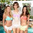 Karlie Kloss pose avec Candice Swanepoel et Alessandra Ambrosio...