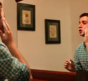Découvrez la vidéo de Jake Davidson qui demande Kate Upton au bal de promo.