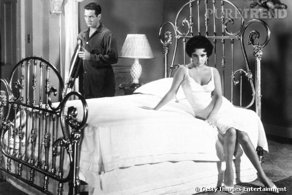 Elizabeth Taylor, sensuelle en robe blanche.