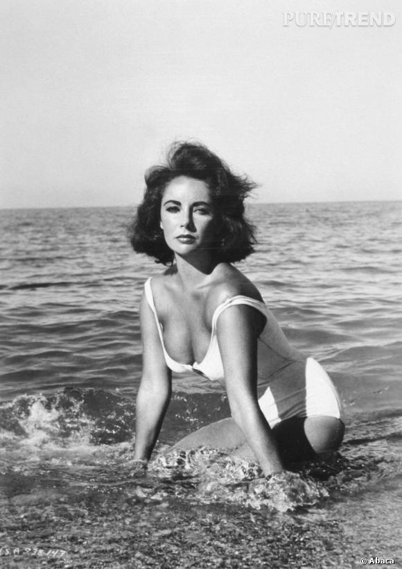 Un des shooting les plus connus que l'actrice ait fait, en maillot sur la plage. Une des rares femme à oser le une pièce blanc sans avoir peur.