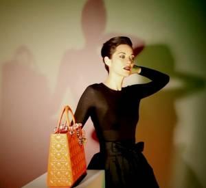 Vidéo du making-of de la dernière campagne Lady Dior avec Marion Cotillard.