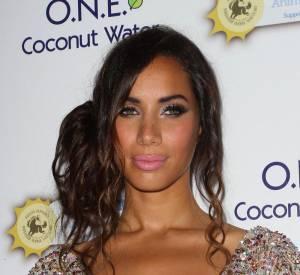 Leona Lewis a une jolie poitrine caramel.