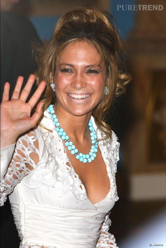 Le flop teint hâlé :  Jennifer Lopez a eu la main très lourde sur l'autobronzant, et ça se voit !