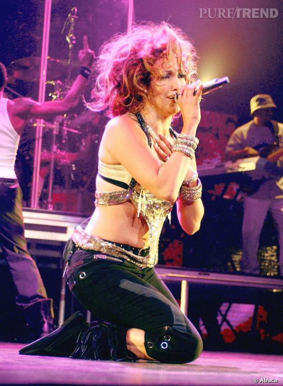 Le flop beauty look de scène :  Tina Turner ? Non, Jennifer Lopez qui a mangé du lion.