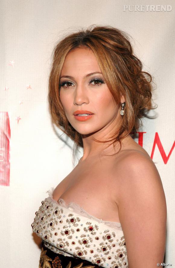 Le top chignon flou :  Avec ce chignon bas en revanche, Jennifer Lopez est au top. Tout est dans le dosage.