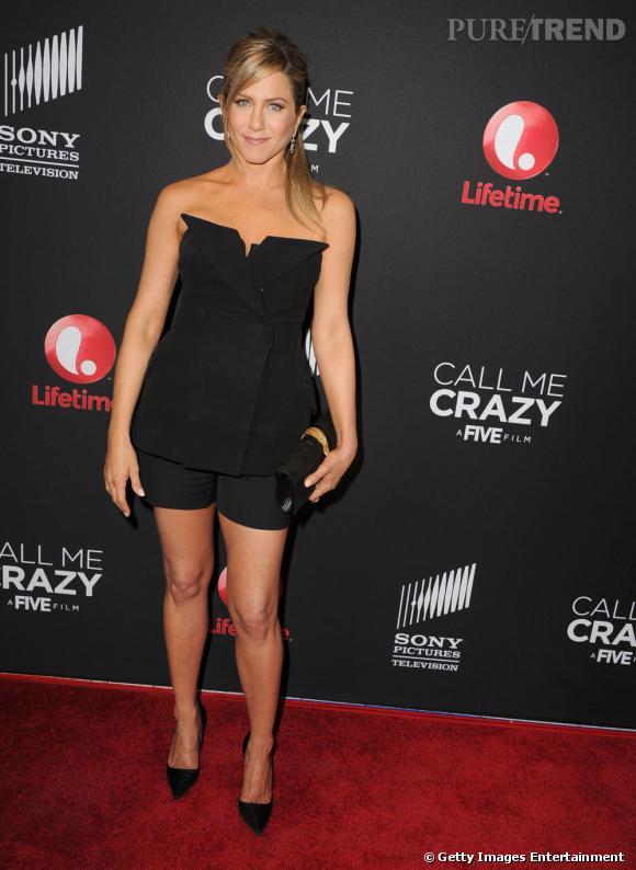 """Jennifer Aniston à la première mondiale du film """"Call Me Crazy : A Five Film"""" au Pacific Design Center, à West Hollywood, en Californie le 16 avril 2013"""