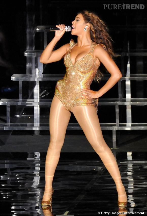 Beyoncé et son body à paillettes pour un concert à Singapour en 2009.