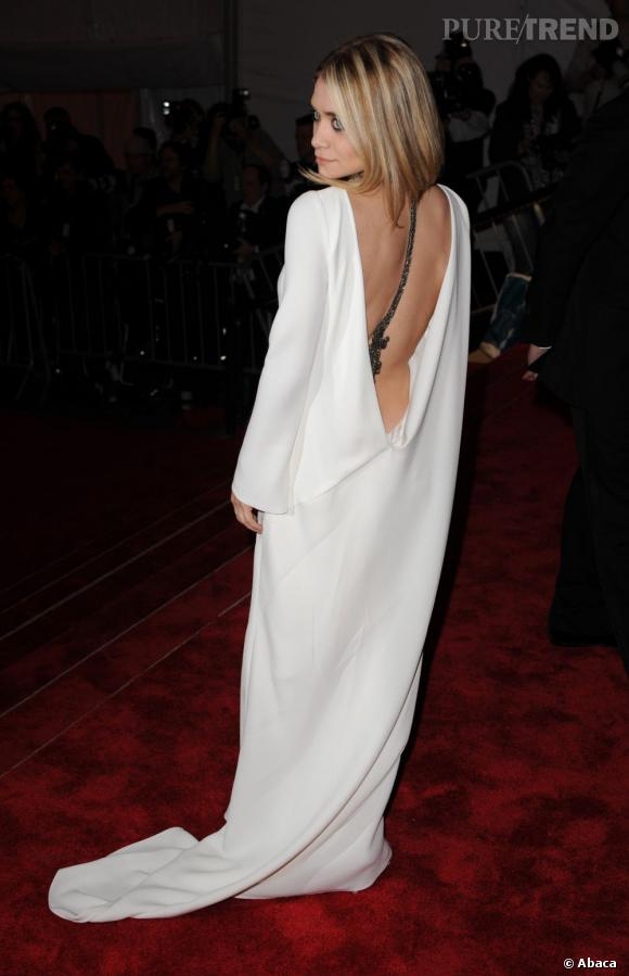 Le Gala du Met Costume Institute en 2009 : Ashley Olsen est virginale.