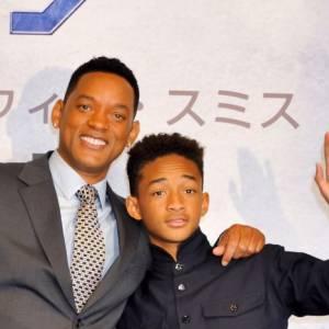 """Will Smith et Jaden Smith, proches pour la promo de """"After Earth"""". La père n'est pas choqué par la demande de son fils."""