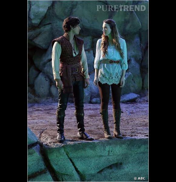 """Sophie Lowe et Peter Gadiot, deux (presque) anonymes dans le casting de """"Once Upon A Time in Wonderland""""."""