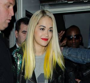 Rita Ora : bye bye les cheveux bleus, bonjour les pointes jaunes !