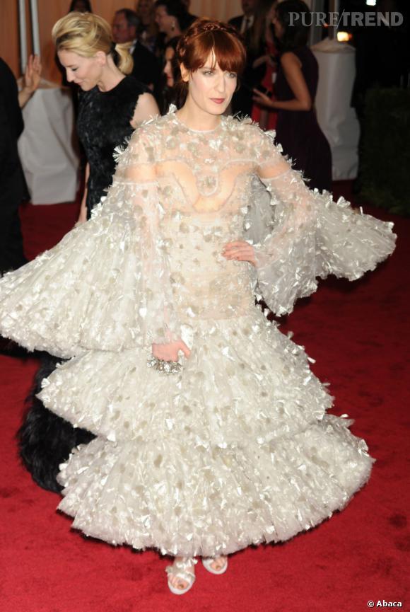 Avec cette robe, Florence Welch est prête à enfiler un costume Star Wars.