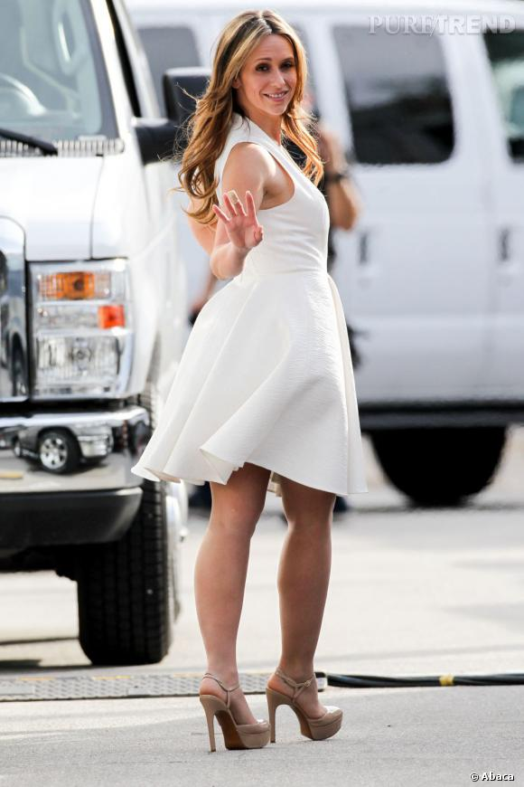 Jennifer Love Hewitt est enceinte, sa vie de vieille fille est derrière elle !