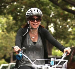 Alyson Hannigan : la jeune maman se laisser aller a bicyclette... Le flop mode