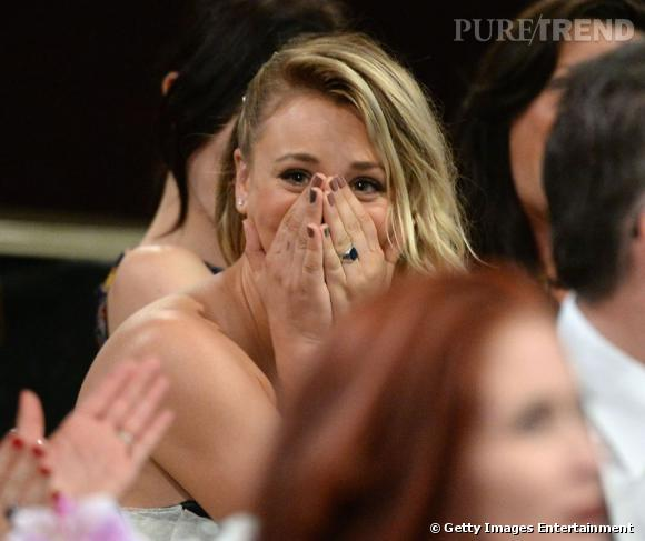 Kaley Cuoco, émue de recevoir un prix aux Critics Choice Awards 2013.