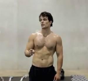 Man of Steel : Henry Cavill torse nu pendant l'entrainement, un vrai Superman !