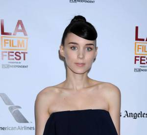 Rooney Mara vs Podium : l'ensemble neoprene J.W. Anderson Printemps 2013