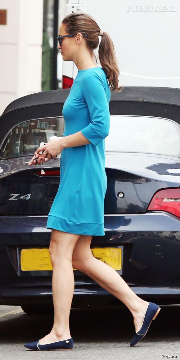 C'est sans doute sa robe qui ne met pas ses courbes en valeur.