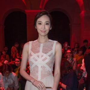 Pace Wu chez Elie Saab, collection Haute Couture Automne-Hiver 2013/2014.
