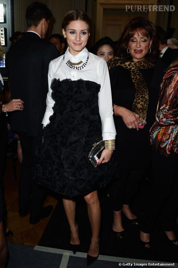 Olivia Palermo se fait remarquer au défilé Valentino.