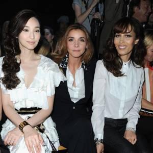 Pace Wu, Clotilde Coureau et Dolores Chaplin au défilé Haute Couture Automne-Hiver 2013/2014 Viktor & Rolf.