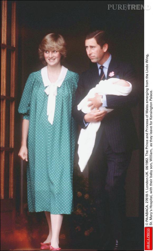 Lady Diana et le Prince Charles lors de la naissance du Prince William en juin 1982.