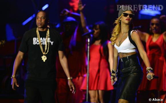 Rihanna rejoint Jay Z et Justin Timberlake sur scène pour le Yahoo ! Wireless Festival le 14 juillet.