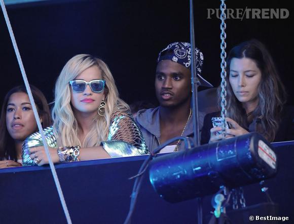 Pour assister au show de Justin Timberlake, des groupies pas comme les autres, Rita Ora et Jessica Biel.