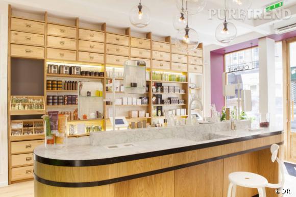Voici la toute première boutique française de la marque de cosmétiques Caudalie. Elle est située au 8 rue des Francs-Bourgeois à Paris, dans le troisième arrondissement.