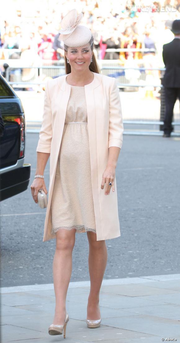 Les looks de grossesse de Kate Middleton ont été observés à la loupe.
