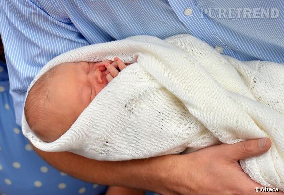 Et voilà la frimousse de l'enfant de Kate Middleton et du prince William.