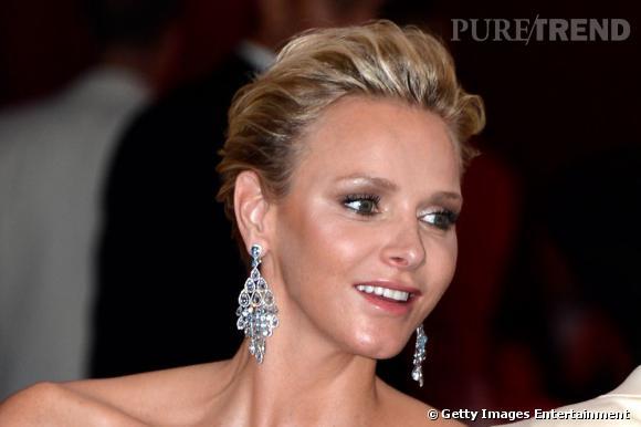 Charlene de Monaco, la grâce d'une princesse au 65e gala de la Croix Rouge à Monaco.