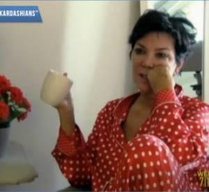 """Kris Jenner n'hésite pas à dire qu'elle trouve sa fille """"misérable"""" et que ses seins ressemblent à de grosses pastèques. Charmant."""