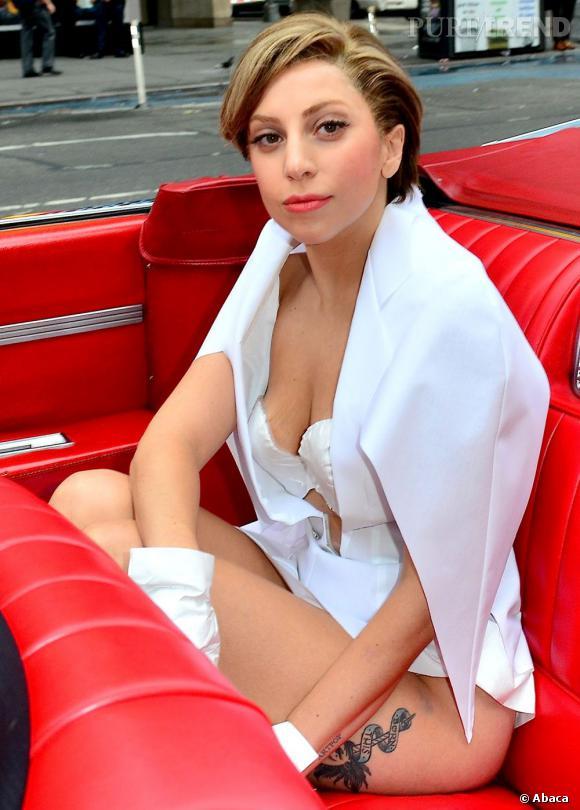 """Lady Gaga mise sur un ensemble Matthieu Mirano pour son apaprition à """"Good Morning America"""", à New York."""
