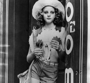 """Jodie Foster dès l'âge de 13 ans incarne une prostituée âgée de 12 ans dans """"Taxi Driver""""."""