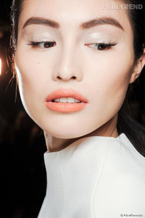 Le blush abricot  Défilé Thierry Mugler Automne-Hiver 2013-2014