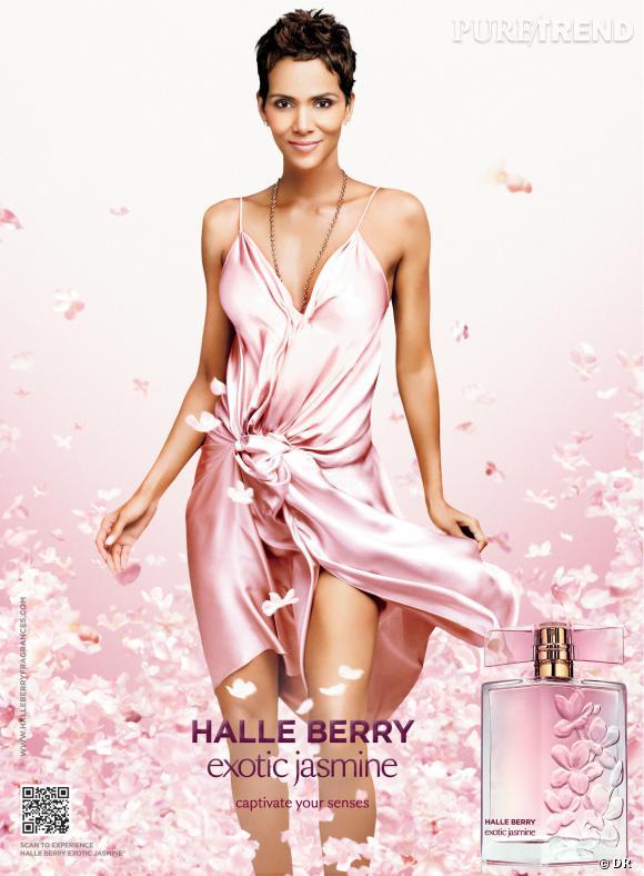 Sur la campagne de son nouveau parfum, Halle Berry affiche une ligne impeccable.