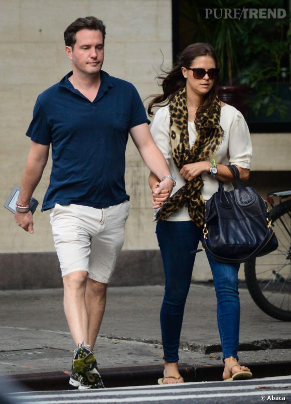 Princesse Madeleine (avec un sac Givenchy) et son mari Chris O'Neill.