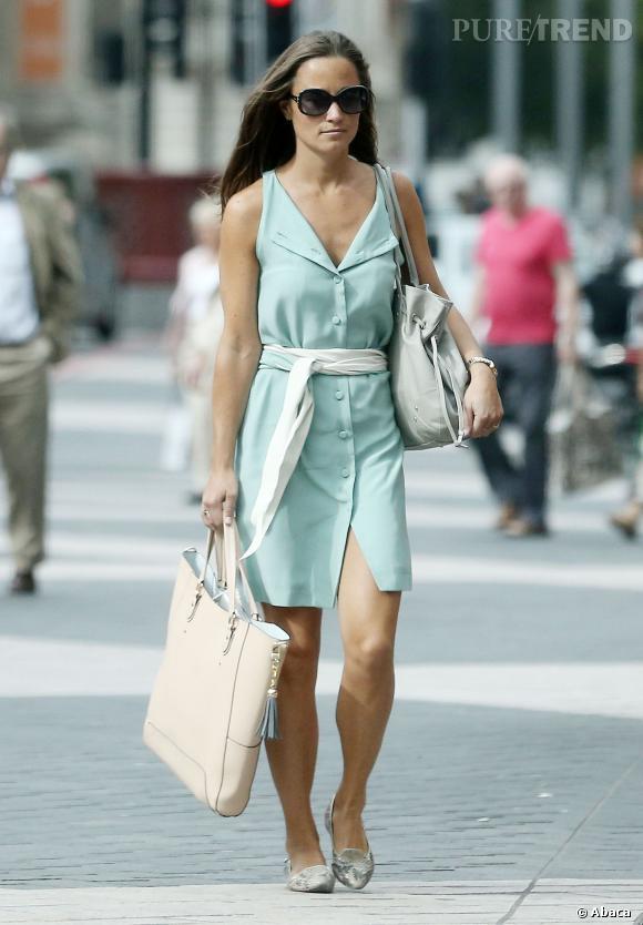 Pippa Middleton très estivale à Londres.