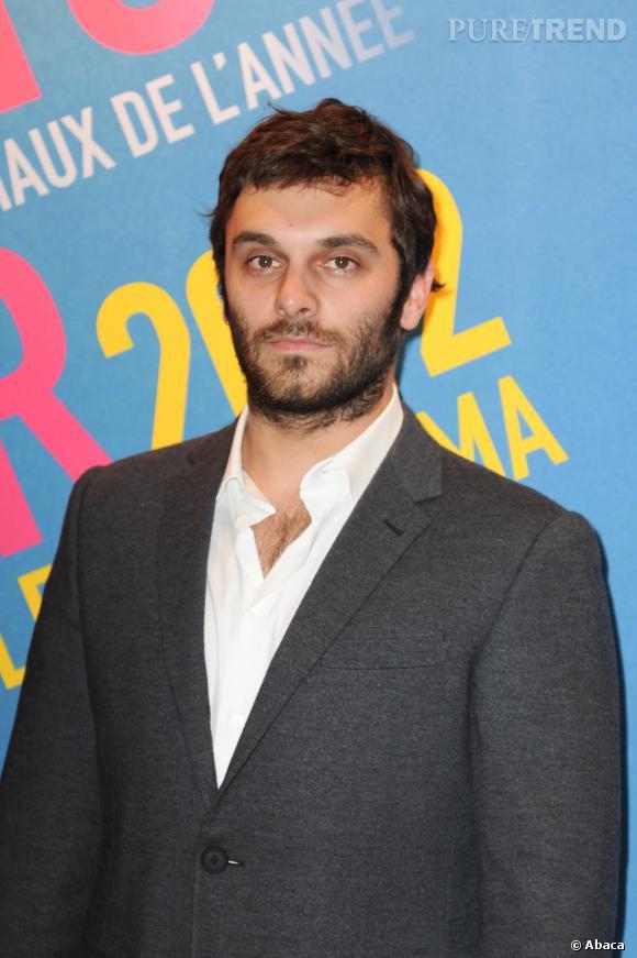 Les beaux gosses français Pio Marmaï, le beau brun ténébreux du cinéma français.