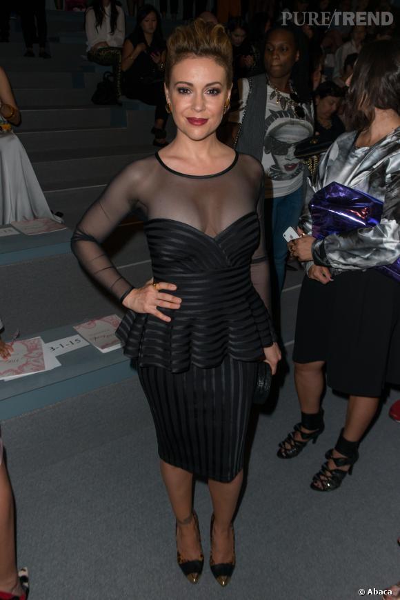 Alyssa Milano au défilé Tadashi Shoji à New York.